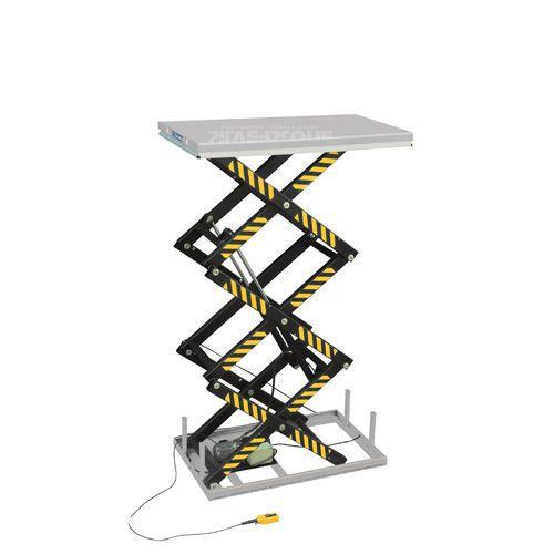 Løftebord med vertikal trippelsaks